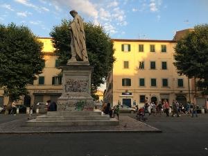 piazza-xx-settembre-livorno-statua-demi-leopoldo